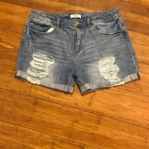 Forever 21 Womens Size 31 Medium Distressed Shorts